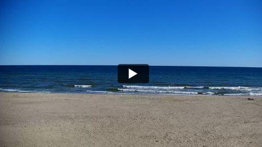 Widok z Kamery na plażę w Jastrzębiej Górze na żywo