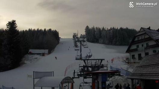 Widok na dolną stację narciarską w Rabce-Zdroju - KAMERA LIVE