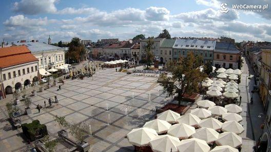 Kielce - zdjęcie z kamery na rynek w Kielcach, stolicy województwa świętokrzyskiego.