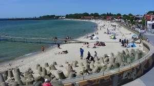 Kamera na bulwar helski plaże półwysep cypel na Helu.