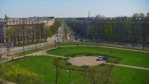 Widok online na jedną z dzielnic Krakowa - Nową Hutę. Zobacz Aleję Solidarności, Aleję Jana Pawła II oraz Aleję Róż