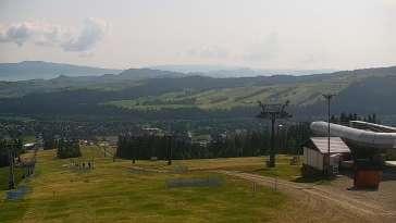 Widok na jedną z tras narciarskich - Kotelnica I oraz na wspaniałe szczyty Tatr
