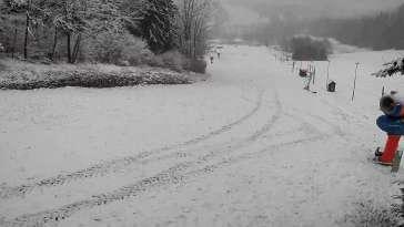 Stacja narciarska w pobliżu Pisarzowic - CZARNÓW SKI - zobacz online