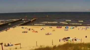 Widok na plażę i morze w Dziwnowie woj. zachodniopomorskie