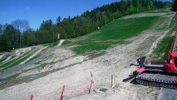 Ujęcie na dolną stację kolei linowo-terenowej na Górę Żar.