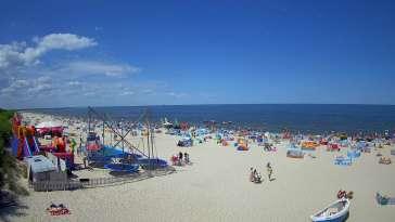 Jantar - widok na złocistą i słoneczną plaże.