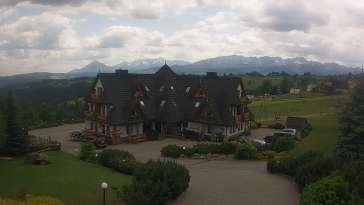 Widok na Hotel Redyk w Ząbie koło Zakopanego