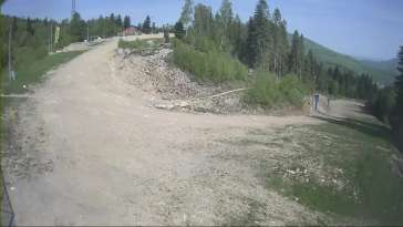 Zdjęcie z kamery na górną stację w ośrodku narciarskim Skolnity ski w Wiśle.