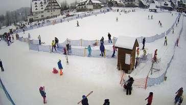 Widok z Kamery na szkółkę narciarską Ski Suche