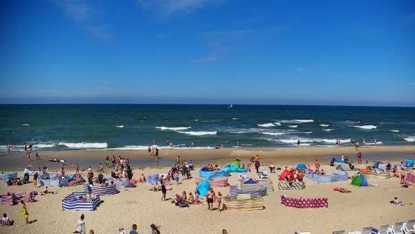 Widok z Kamery na plażę z kurortu Jastrzębia Góra