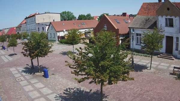 Łeba miasto kamera z widokiem na deptak w Łebie.