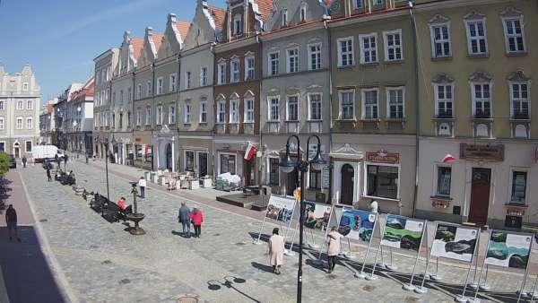 Widok online na opolską Aleję Gwiazd znajdującą się na Rynku
