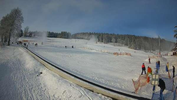 Widok na szkółkę narciarską Winterpol w Zieleńcu