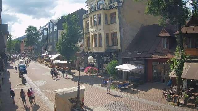 Zdjęcie z kamery Krupówki - widok na deptak