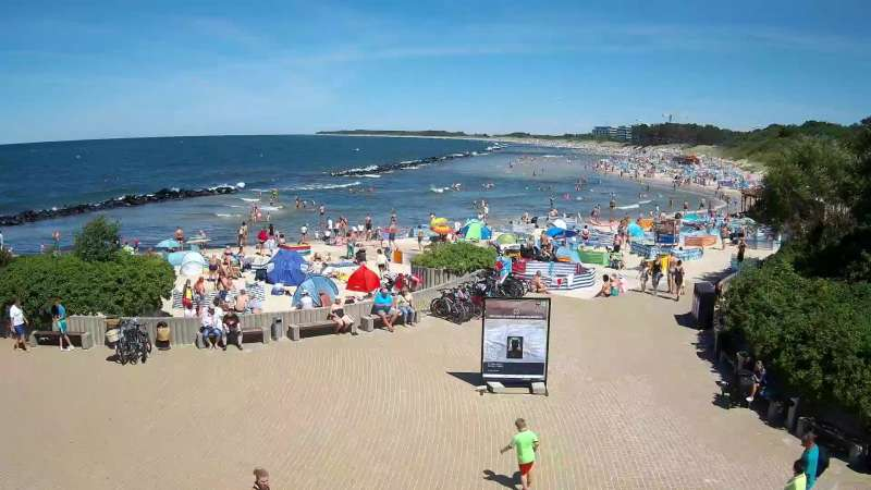 Widok na plażę wschodnią w Darłówku
