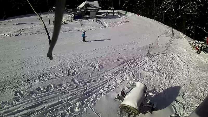 Widok na dolną stację ośrodka Limanowa-Ski