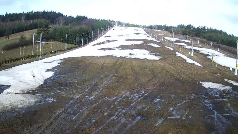 Rodzinny ośrodek narciarski Niestachów ski - oglądaj w zimie