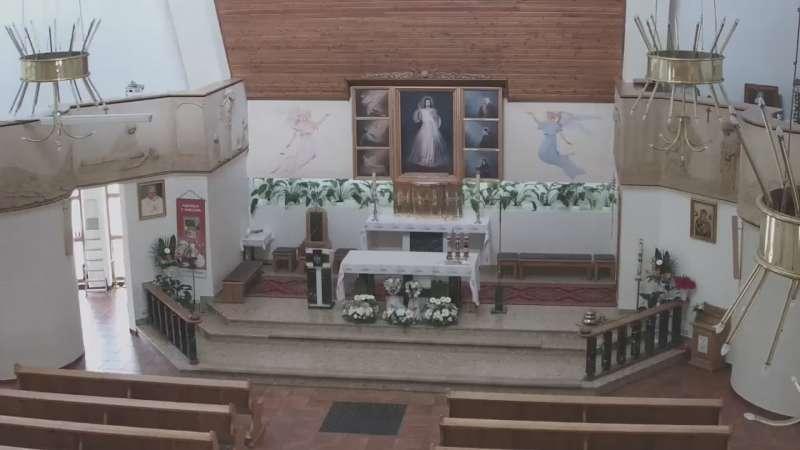 Ołtarz kościoła Miłosierdzia Bożego na Chramcówkach