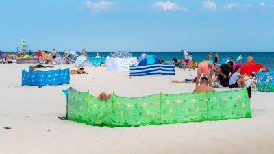 Obraz z plaży w Rogowie, możecie oglądać dzięki kamerze transmitującej sytuację pogodową.