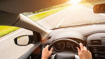 5 zalet wynajmowania samochodu podczas urlopu.