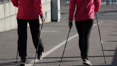 Regularne uprawianie omawianego sportu przynosi bardzo wiele korzyści zdrowotnych.