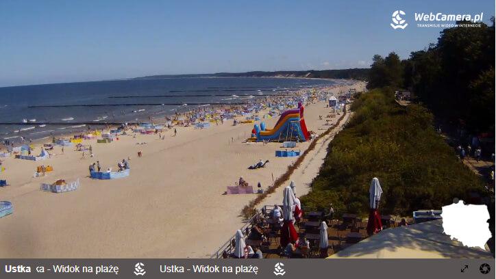 Zdjęcie zwidokiem na plażę wustce.