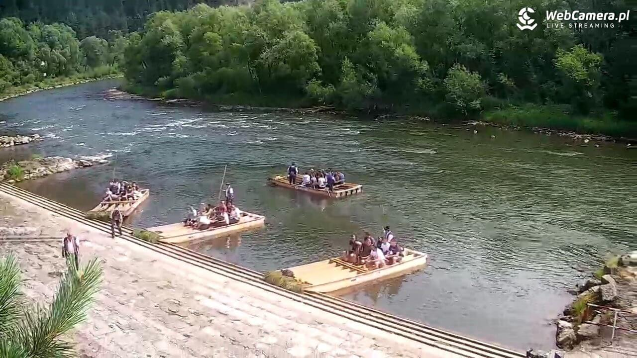 Widok na łodzie, turystów iflisaków