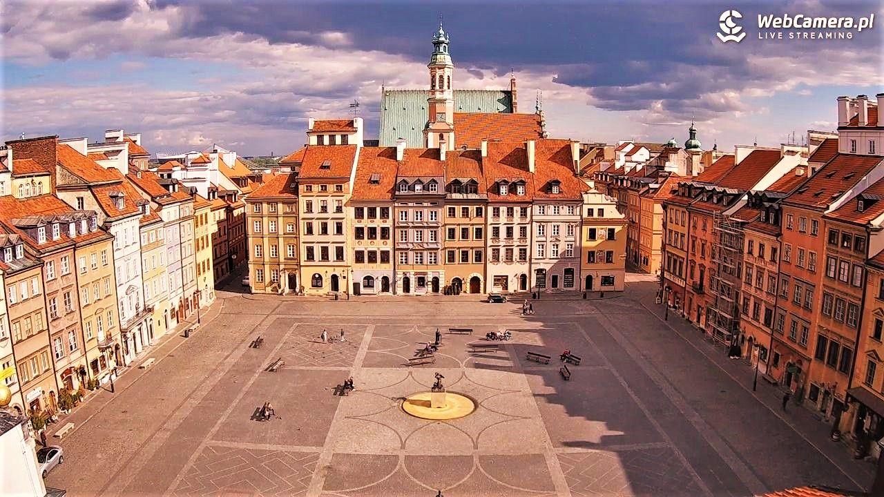 Nowy widok na Rynek Starego Miasta wWarszawie - oglądaj