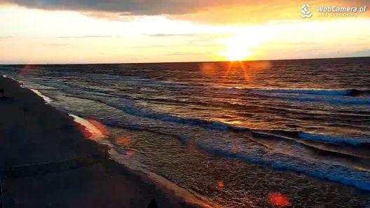 Sierpniowy zachód słońca na kilku plażach Bałtyku
